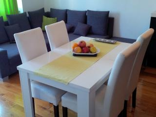 split summer home - Split vacation rentals