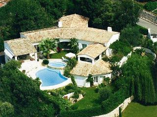 Air-conditioned luxury sea-view villa in Saint Paul de Vence, Provence, w/pool and tennis – 10min from beach - Saint-Paul-de-Vence vacation rentals