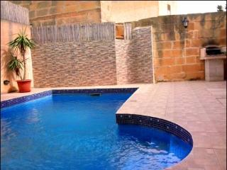 5 Bedroom dupex maisonette with private pool. - Xaghra vacation rentals