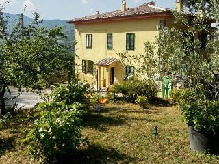 Southern Tuscan farmhouse for 4 nestled in large garden – walk to village, 1h from Siena - Travale vacation rentals