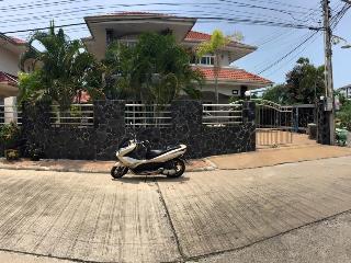 Pattaya Holiday Home with private pool - Pattaya vacation rentals