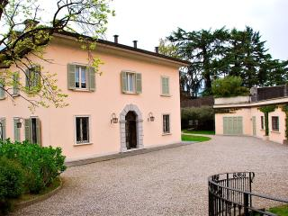 Villa Ossuccio Italian Lake villa rentals, large villa for short term stay Lake - Ossuccio vacation rentals