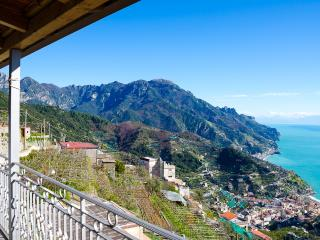 Apartment Rossa vacation holiday apartment rental italy, amalfi coast, ravello, view, short term long term apartment to rent to let rave - Ravello vacation rentals