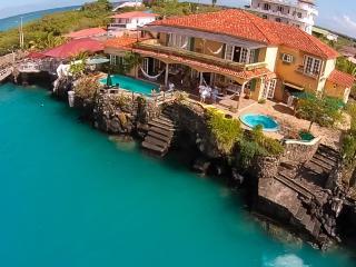 Galapagos Villa - Casa La Iguana - Puerto Ayora vacation rentals