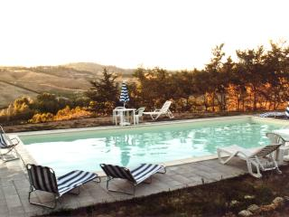 Casa vacanze Petriccio-Appartamento A con piscina - Certaldo vacation rentals