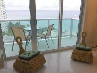 Beautiful Apartament condo on the beach View Ocean - Coconut Grove vacation rentals