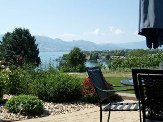 Lake, mountains and vineyard serenity - Westbank vacation rentals