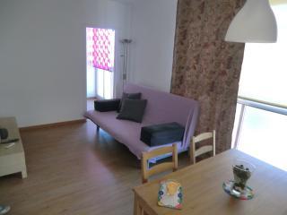 Cozy 3 bedroom Condo in Premia de Mar - Premia de Mar vacation rentals