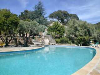 Ceyreste Golf of La Ciotat, Large villa 10p fantastic pool in huge pine forest - Ceyreste vacation rentals