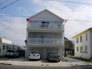 5 BLKS. TO  BDWK! JULY & AUG. 13TH - 9/6/16 OPEN! - Wildwood vacation rentals