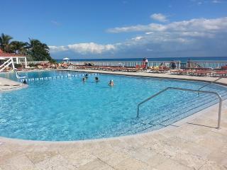 Studio on Beach Balcony with Ocean View - Sunny Isles Beach vacation rentals