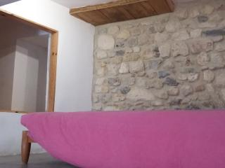 Studio/loft in the heart of Narbonne - Narbonne vacation rentals