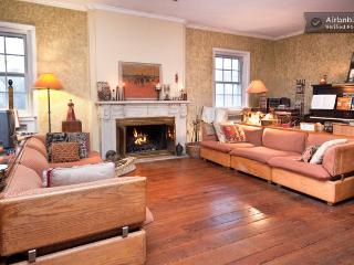 Spacious Designer Home--Comfy too! - Philadelphia vacation rentals