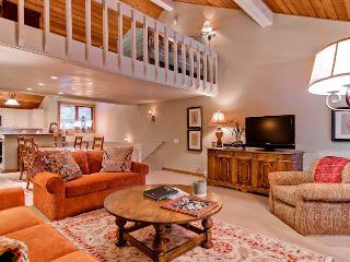2 bedroom Apartment with Deck in Sun Valley - Sun Valley vacation rentals