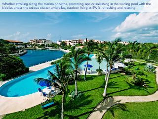 Nice Condo with Deck and Internet Access - Puerto Aventuras vacation rentals