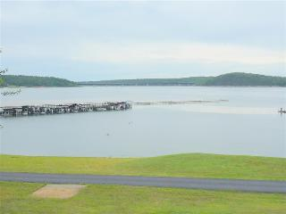 ON THE WATER!  Welcome to Lake Norfork at Henderson Arkansas!  Spacious 4 bedroom 2 bath sleeps 12 - Henderson vacation rentals