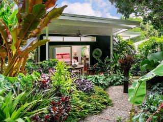 Tabu Bed and Breakfast. Cairns Bed and Breakfast - Cairns vacation rentals