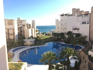 Penthouse/Parking/PrivatePool/Beach - Estepona vacation rentals