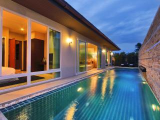 The Ville Jomtien Pool Villa Grende 4 Bed (C13) - Pattaya vacation rentals