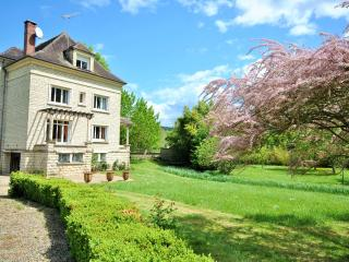 Comfortable Villa with Internet Access and Satellite Or Cable TV - Joigny vacation rentals