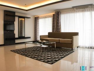 2 bedroom suite in Makati - MAK0039 - Makati vacation rentals