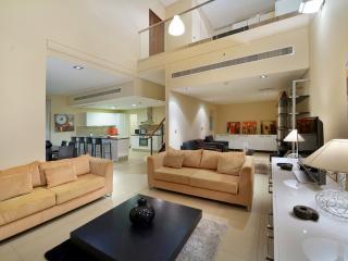Vacation Bay Duplex 2BR in DIFC(3x2) - Dubai vacation rentals