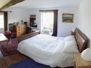 B&B in a lovely riverside house - Realmont vacation rentals