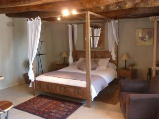 Nice Bed and Breakfast with Internet Access and Trampoline - Plats vacation rentals