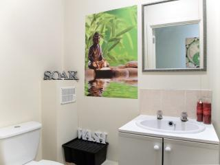 Greenwick Apartment - London vacation rentals