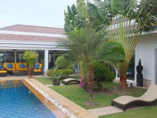 5-Star, 3 bedroom pool villa. 3 Kms from Hua Hin - Hua Hin vacation rentals