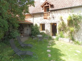Romantic Bed and Breakfast in Etang-sur-Arroux with Microwave, sleeps 4 - Etang-sur-Arroux vacation rentals