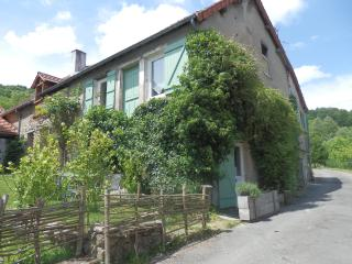 Romantic 1 bedroom Etang-sur-Arroux Bed and Breakfast with Internet Access - Etang-sur-Arroux vacation rentals