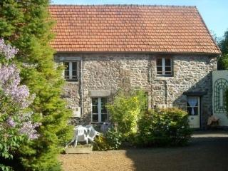 Pretty Gite in peaceful location Normandy WIFI - Hambye vacation rentals