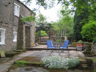 Romantic Cottage with Internet Access and Satellite Or Cable TV - Ingleton vacation rentals