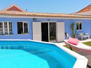 QUIET FAMILY VILLA 5 MIN FROM THE BEACH - Charneca da Caparica vacation rentals