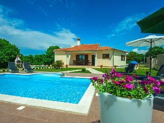Mon Perin Castrum- Villa Karla*** - Bale vacation rentals