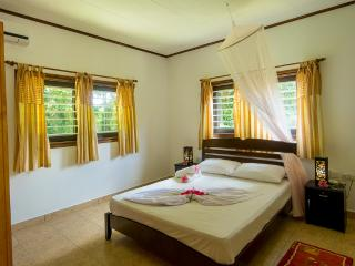 Comfortable Condo in La Passe with Local Guides, sleeps 6 - La Passe vacation rentals