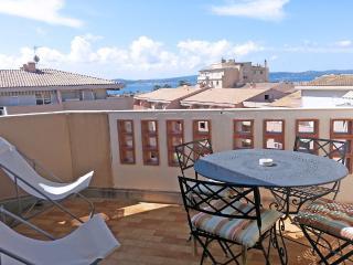 Appt T3  - Vue mer - Centre ville - Ste Maxime - Var vacation rentals