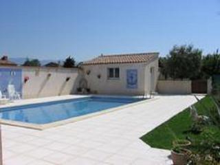 Agréable vacances au soleil  avec piscine privée - Valreas vacation rentals