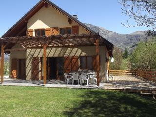 Maison Bord au Rive, Bike Friendly,  Garden & WIFI - Le Bourg-d'Oisans vacation rentals
