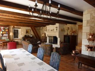 Nice Gite with Internet Access and Dishwasher - St Front la Riviere vacation rentals