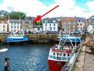 HAYLOFT, harbourside location, en-suite bathroom, in Pittenweem, Ref 924735 - Pittenweem vacation rentals