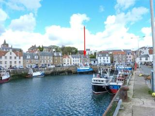 FLOURLOFT, en-suite facilities, harbourside location in Pittenweem, Ref 924733 - Pittenweem vacation rentals