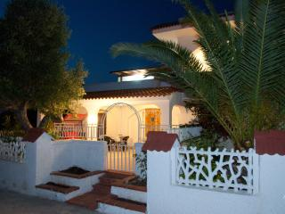 Cozy 2 bedroom Villa in Torre Canne di Fasano - Torre Canne di Fasano vacation rentals
