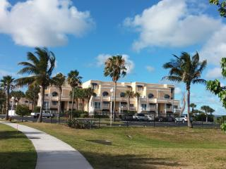 Spacious 1 bedroom Furnished Condo Sandy Beaches - Cape Canaveral vacation rentals