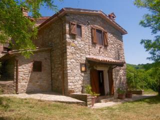 La casetta di Casal Verciano Ficulle Umbria - Ficulle vacation rentals