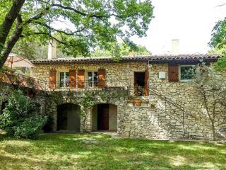 Maison aix en provence en site boisé très calme - Aix-en-Provence vacation rentals