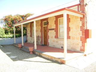 4 bedroom House with Dishwasher in Goolwa - Goolwa vacation rentals