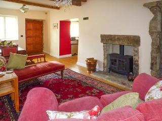 EASTBY COTTAGE, all ground floor, TV in bedroom, WiFi, near Embsay, Ref 925785 - Embsay vacation rentals