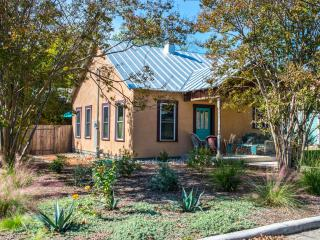 Perfect Cottage with Internet Access and Short Breaks Allowed - Fredericksburg vacation rentals